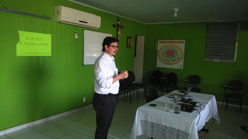O professor Renato Borges falou sobre a morte em diferentes religiões