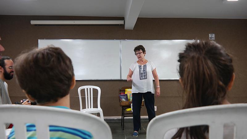 Maria Clara Cavalcanti é escritora e integra o grupo Confabulando Contadores de Histórias
