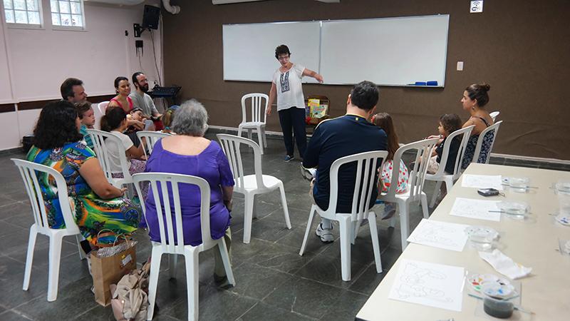 Contação de Histórias com Maria Clara Cavalcanti