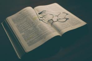 Bíblia e Ciência: Interações e Conflitos